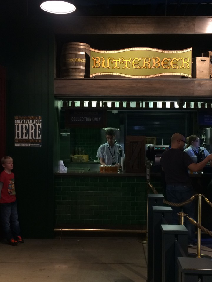 We stopped at the butterbeer stand for some butterbeer and butterbeer icecream. Neither were very good.